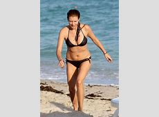 Stunning Kate Walsh Shows Off Hot Bikini Body, New
