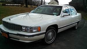 1995 Cadillac Deville Base Sedan 4
