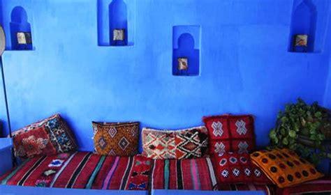 moroccan decor  blue color bring cool moroccan style