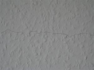 Risse In Wand : bau de forum ausbauarbeiten 11817 horizontaler riss in tapete mitten auf haustrennwand rh ~ Eleganceandgraceweddings.com Haus und Dekorationen