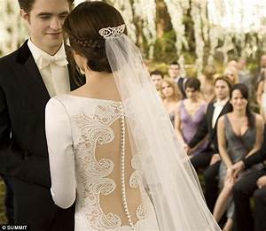 twilight breaking dawn bella swan39s stunning twilight With bella wedding dress