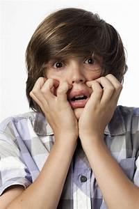 Image D Enfant : ils ont peur d 39 tre seuls l 39 tage esther jalbert nanny secours ~ Dallasstarsshop.com Idées de Décoration