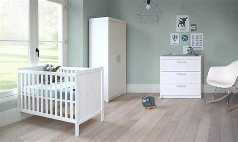 inspiratie babykamer ralph wit met ledikant commode en kast