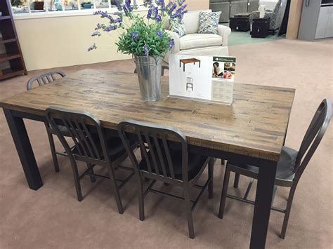 raymour and flanigan kitchen islands raymour and flanigan kitchen dinette sets wow 7629
