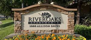 Photos of River Oaks Apartment Homes in Vacaville, CA