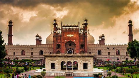 untold secrets  lahores badshahi mosque daily times