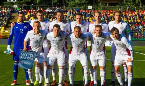 Latvijas futbola izlase FIFA rangā pakāpjas par desmit ...