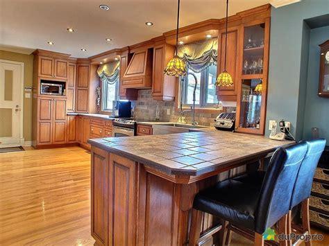 comptoir pour cuisine vernir comptoir de cuisine outil intéressant votre maison