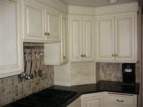 annie sloan chalk paint kitchen cabinets shades of amber goodbye oak cabinets hello beautiful