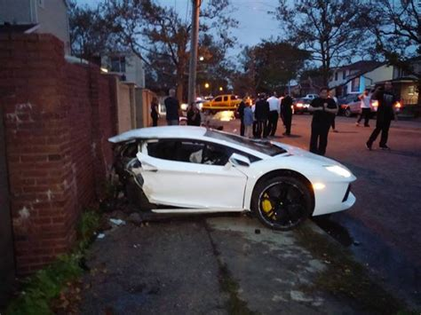 lamborghini aventador in half lamborghini aventador crash in brooklyn splits car in half