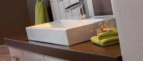 comptoir de cuisine quartz ou granit moulé en stratifié solutions comptoirs