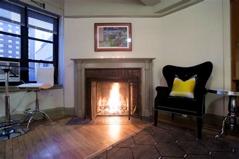In New York The  Ee  Fireplace Ee   Flickers The New York Times