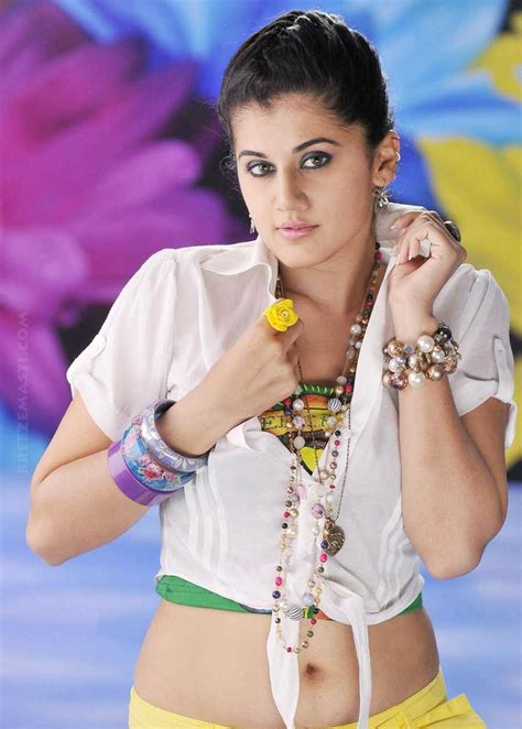 Hot Actress Tapsee Pannu Profile With Latest Stills Navel