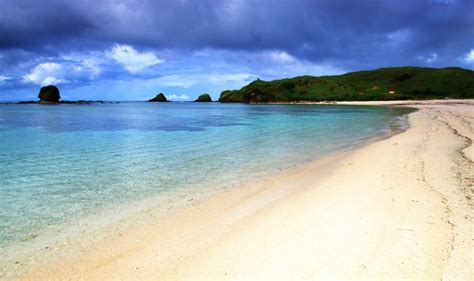 pantai kuta bali destinasi wajib mengunjungi pulau dewata