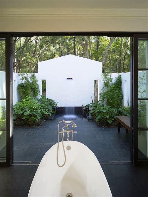 breathtaking outdoor bathroom designs   gonna love