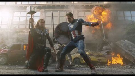 the avengers los vengadores escena de batalla capitán