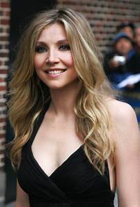Sarah Chalke images Sarah. HD wallpaper and background ...