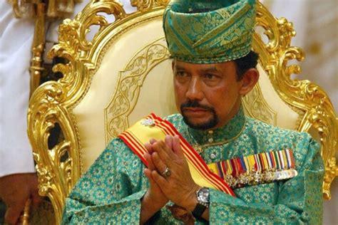 sultan hassanal 20 bizarrest billionaires ever deluxetoday com page 10