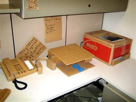 escritorio de cartón abadía digital