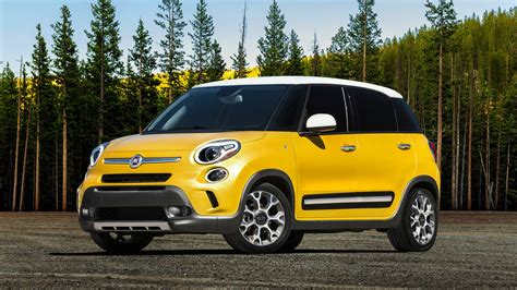 Fiat Car : Fiat 500l 2014 Wallpaper