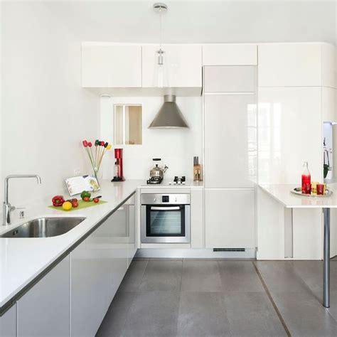 cuisines blanches cuisine blanche plan de travail gris cuisine grise
