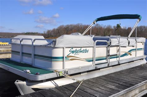 Boat Rentals Lake Wallenpaupack Pennsylvania by Hiking Boating Golfing And Family Time In The Pocono