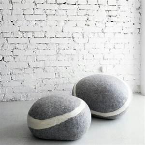Teppich Filzen Anleitung : stone pouf by fivetimesone lampen wohnen pinterest ~ Lizthompson.info Haus und Dekorationen
