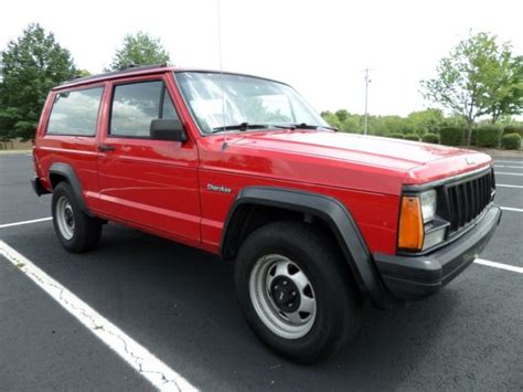 1994 Jeep Cherokee Xj --- 5-speed --- 4x4 --- 4.0l --- 2