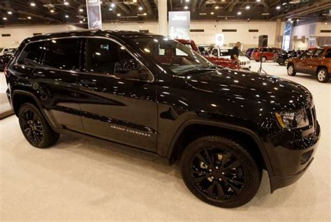 jeep laredo blacked out jeep grand cherokee concept makes u s debut in houston