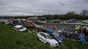 Autoroute A13 Accident : accident sur l 39 a13 le conducteur du camion est mort ~ Medecine-chirurgie-esthetiques.com Avis de Voitures
