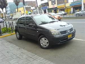 Vendo Clio Expression Hatchback 2004