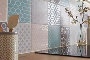 carrelage mural posez le sans colle ni poussiere With carrelage adhesif salle de bain avec mur de led