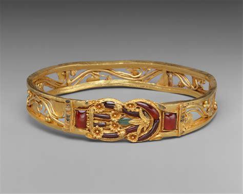 gold armband  herakles knot greek hellenistic