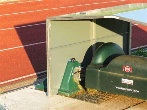 Garage Anbieten by Rasenm 228 Roboter Garagen F 252 R Bigmow Und Etesia Etm 105