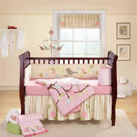 deco murale chambre fille déco mur chambre bébé 50 idées charmantes