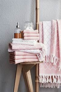 7 ways to make your home look like it was styled by an for Pink and cream bathroom
