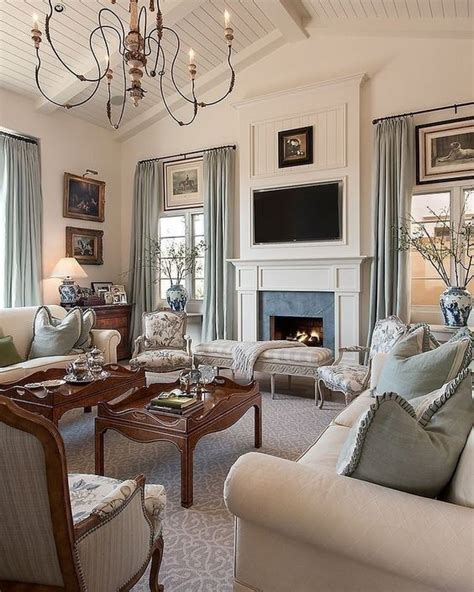 beautiful traditional living room decorating