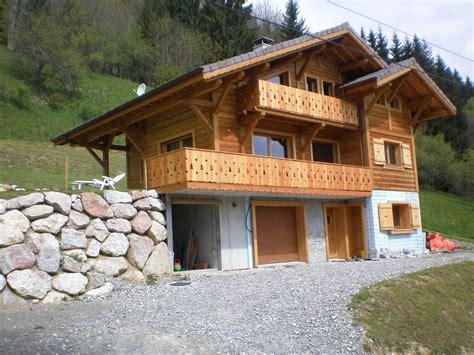 construire chalet en bois chalet avec int 233 rieur rustique sur seytroux jolly construction bois
