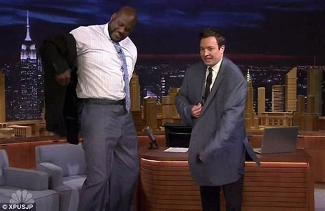 Shaqs Bed Size by Jimmy Fallon Tries On Shaquille O Neal S Jacket On The