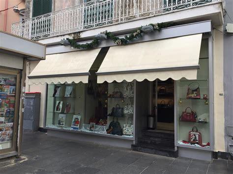 negozi di ladari derubata la vetrina di quot aristocratica quot l ombra racket