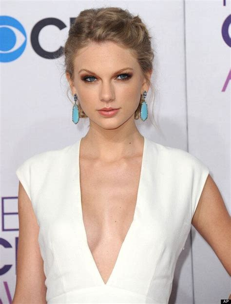 People's Choice Awards 2013: Taylor Swift Shows Harry ...