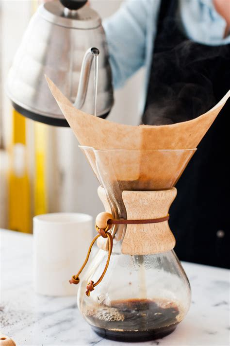 Making coffee with a farberware stainless steel yosemite coffee percolator. 3 (Insanely Easy) Recipes to Take you from Morning Through Lunch - Paper and Stitch