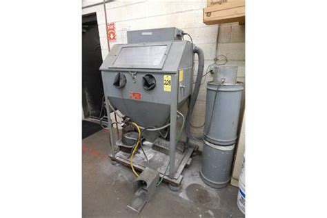 trinco model 36 sand blast cabinet with reclaimer