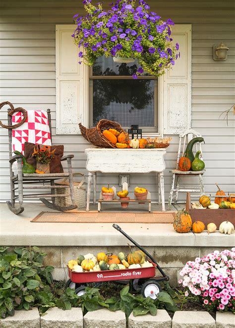 fall decorated porches 85 pretty autumn porch d 233 cor ideas digsdigs