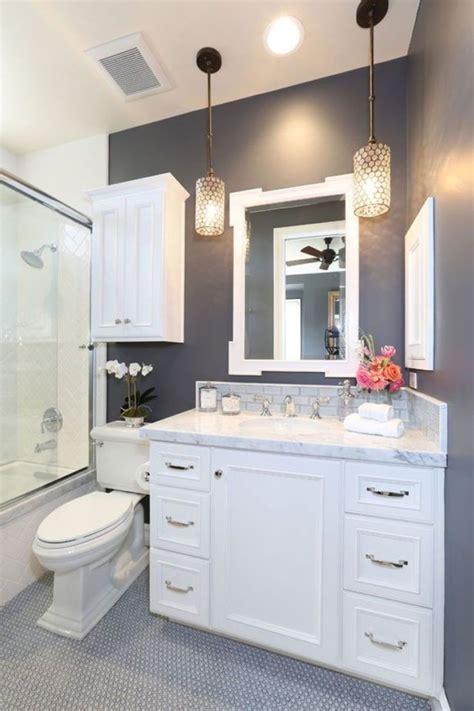 Bathroom Vanities Ideas Small Bathrooms by 17 Best Ideas About Small Bathroom Vanities On