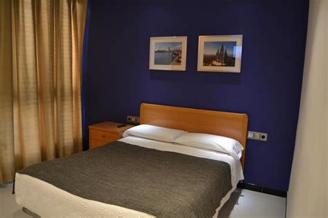 chambre d hote barcelone espagne chambres d 39 hôtes hostal apolo chambres d 39 hôtes barcelone