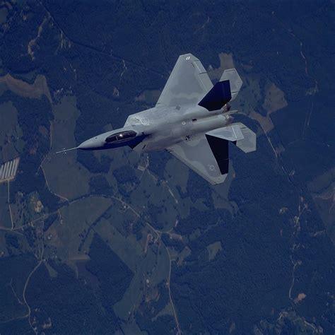 F-22 Raptor Vs Pak Fa (t-50)