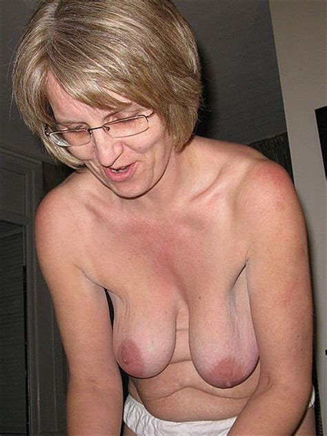 busty grannies and matures nude picture collection picture 1