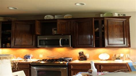 Restaining Kitchen Cabinets Lighter by 1000 Ideas About Restaining Kitchen Cabinets On