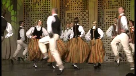 Deju dej - dejo Dancis - YouTube